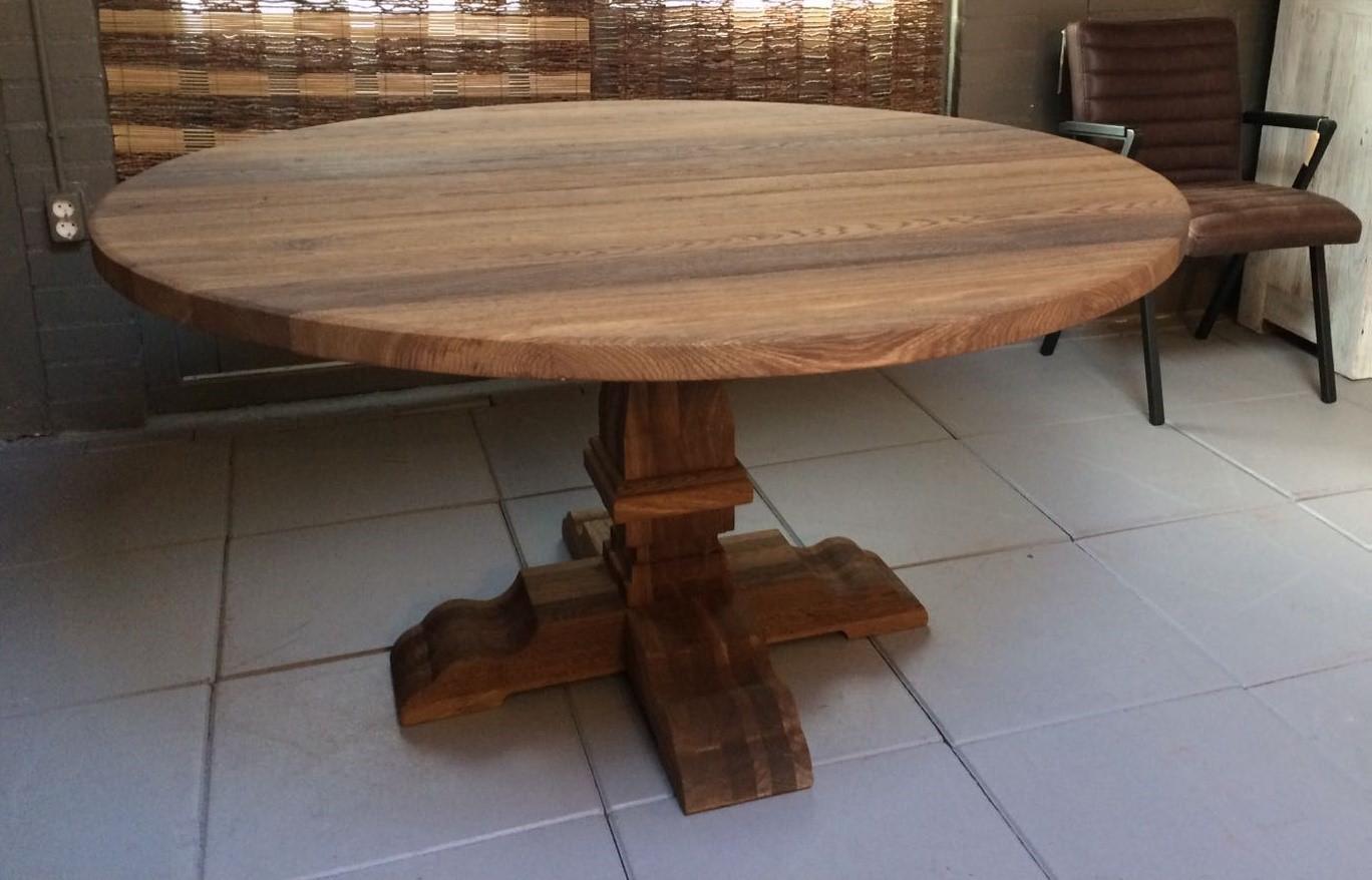 Eiken ronde eettafel houten eettafels ronde tafel rustiek for Ronde nachtkastjes